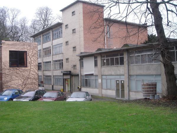 Box fermé tehuur te Laekenvoor 50 €- (960970)