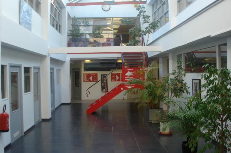 Bureaux van 4gevels te huurte Uccle voor3.600 € -(1113648)