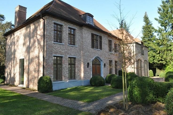 Villa de 4façades à vendreà Kapellen auprix de 1.195.000€ - (2070520)