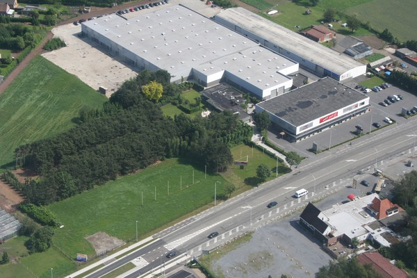 Immeuble mixte tehuur te Lokerenvoor 14.400 €- (3045667)