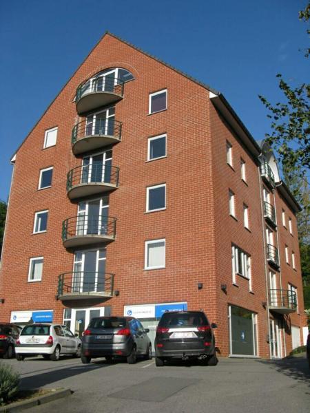 Immeuble de bureauxà louer àBouge au prixde 20.000 €- (3535815)