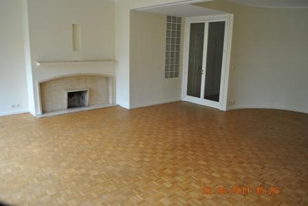 Appartement de 2façades à louerà Bruxelles-Quartier Louiseau prix de1.300 € -(3575679)