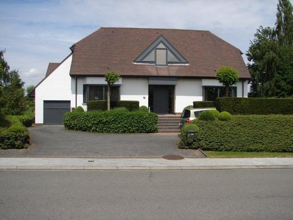Villa de 4façades à vendreà St-Ulriks-Kapelle auprix de 630.000€ - (3779703)