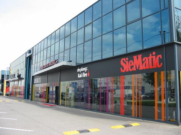 Immeuble de bureauxà louer àSt-Pieters-Leeuw au prixde 6.600 €- (3974701)