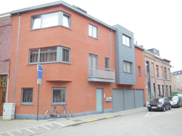 Rez-de-chaussée van 2gevels te huurte Louvain voor840 € -(4024195)