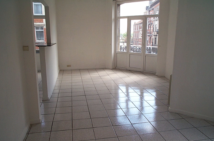 Flat/Studio de 2façades à louerà Molenbeek-St-Jean auprix de 450€ - (4295278)