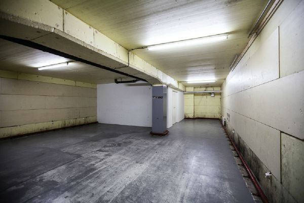 Bureaux de 4façades à louerà Molenbeek-St-Jean auprix de 10.800€ - (4501299)