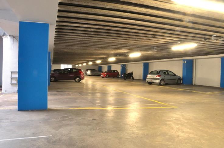 Emplacement intérieur tehuur te Liègevoor 80 €- (4833402)