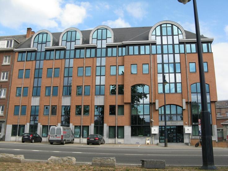 Immeuble de bureauxà louer àNamur au prixde 153.120 €- (5066012)