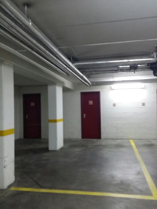 Garage louer bruxelles ville location cp 1000 for A louer garage automobile