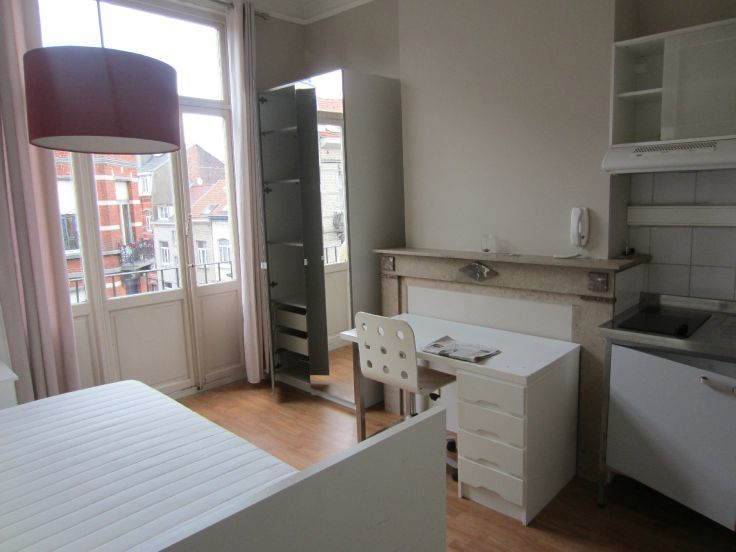 Kot van 1gevel te huurte Ixelles voor400 € -(5221455)
