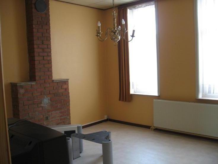 Appartement de 2façades à louerà Anderlecht auprix de 320€ - (5247870)