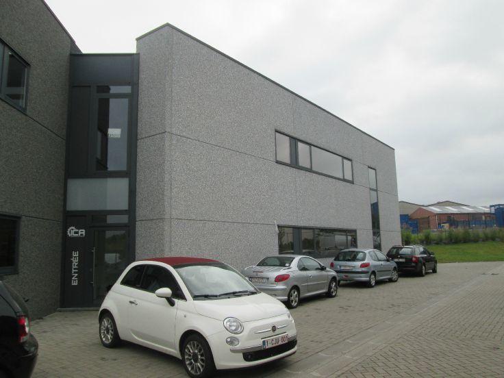 Industrieel gebouw with3 frontages forrent in Waverau prix de26.400 € -(5378353)