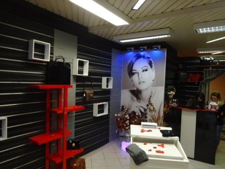 Immeuble commercial de2 façades àlouer à Braine-le-Comteau prix de4.800 € -(5453883)
