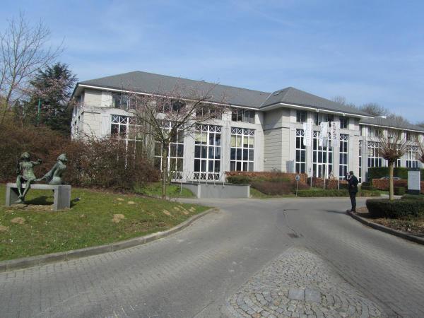 Bureaux van 4gevels te huurte Hoeilaart voor24.996 € -(5522547)