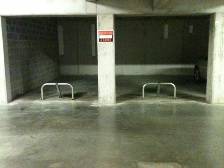 Emplacement intérieur àlouer à Anderlechtau prix de75 € -(5561285)