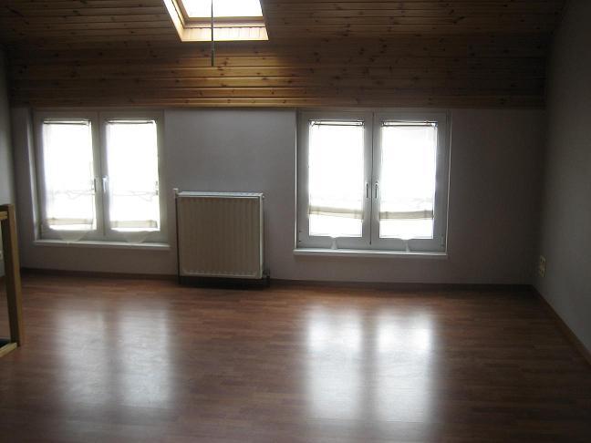 Appartement de 2façades à louerà St-Gilles auprix de 650€ - (5581881)