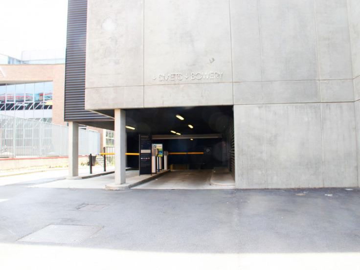 Emplacement extérieur àlouer à Schaerbeekau prix de121 € -(5583111)