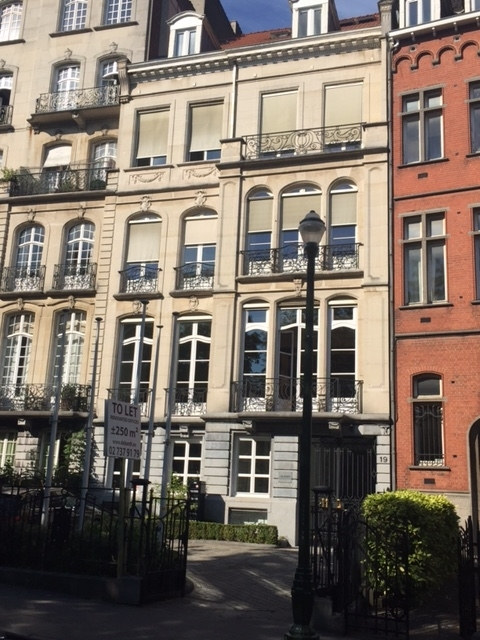 Bureaux à louerà Etterbeek auprix de 36.000€ - (5628386)