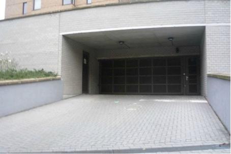 Emplacement intérieur tehuur te Etterbeekvoor 100 €- (5634850)