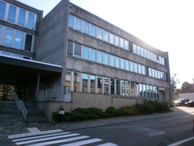 Bureaux de 3façades à louerà Ciney auprix de 61.467€ - (5691979)