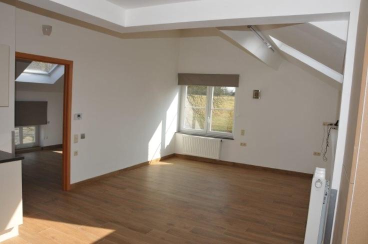 Appartement de 3façades à louerà Ham-sur-Heure auprix de 700€ - (5696105)