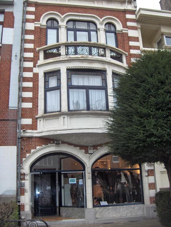Immeuble mixte van2 gevels tehuur te Anderlechtvoor 9.780 €- (5725270)