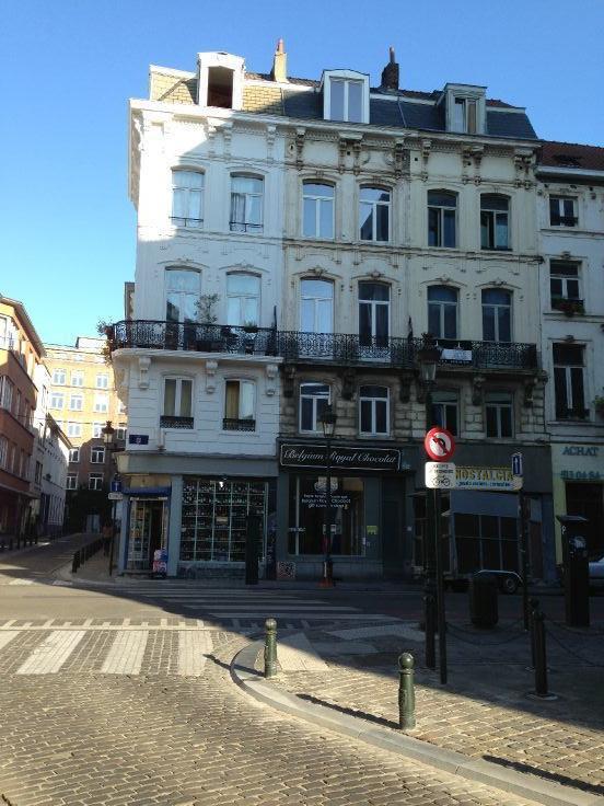 Commerce de 1façade à louerà Bruxelles villeau prix de9.480 € -(5769236)