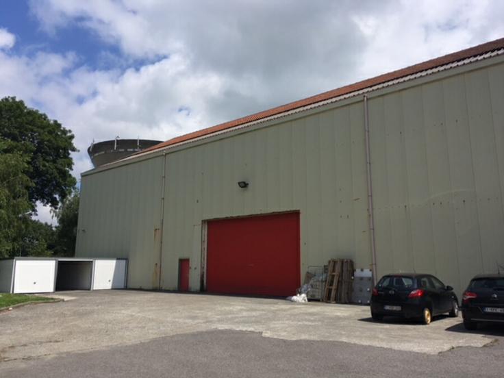Industrieel gebouw tehuur te Gosseliesvoor 27.600 €- (5815708)