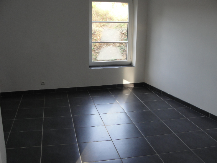 Duplex de 2façades à louerà Yvoir auprix de 630€ - (5845671)