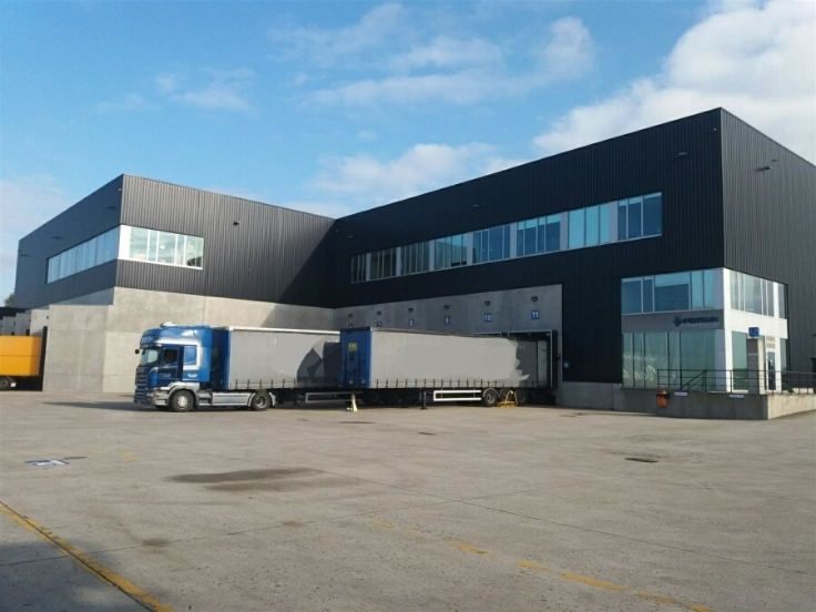 Industrieel gebouw tehuur te Herentalsvoor 45.150 €- (5867725)
