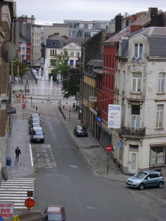 Flat/Studio de 2façades à louerà Charleroi auprix de 350€ - (5879111)