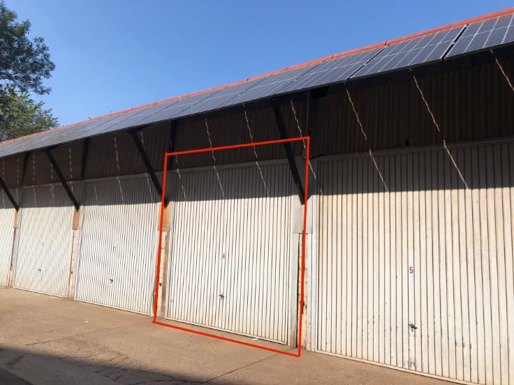 Box fermé tehuur te Woluwe-St-Pierrevoor 300 €- (5879452)