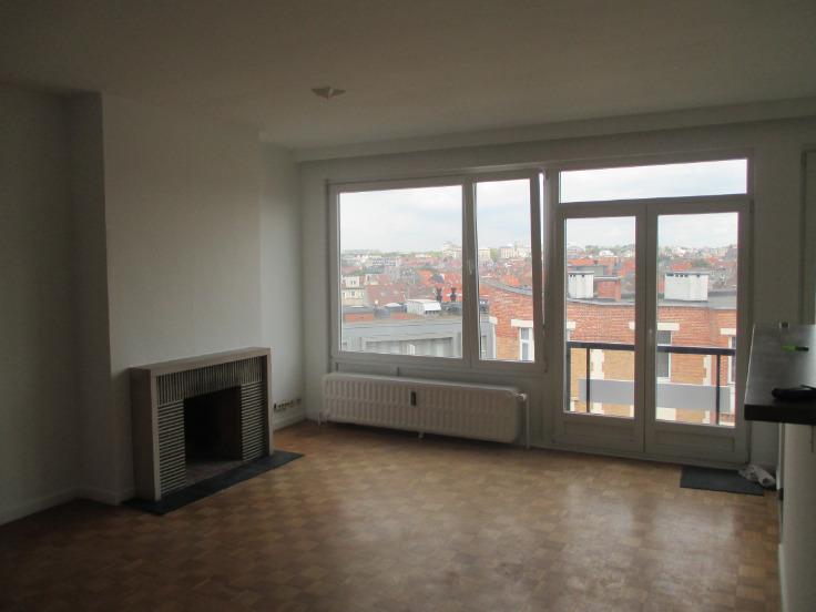 Appartement de 2façades à louerà Etterbeek auprix de 800€ - (5889723)