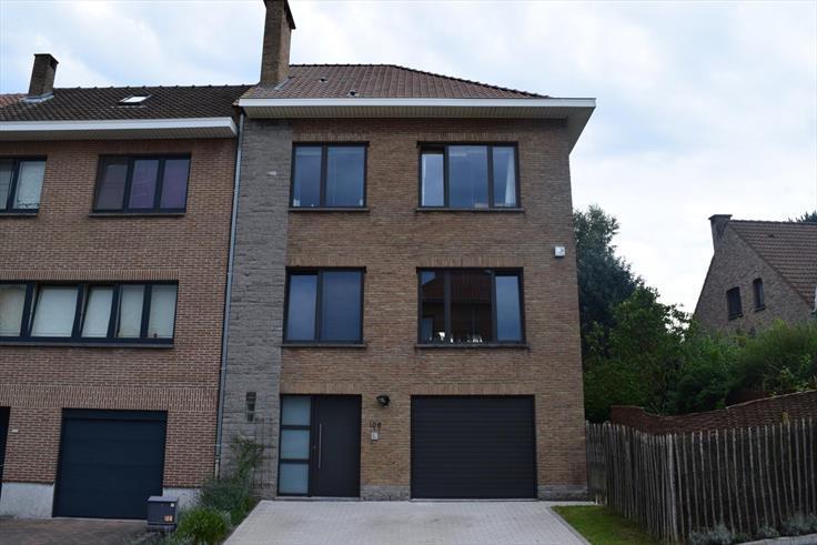 Maison à vendreà Sint-Pieters-Leeuw auprix de 365.000€ - (5913723)