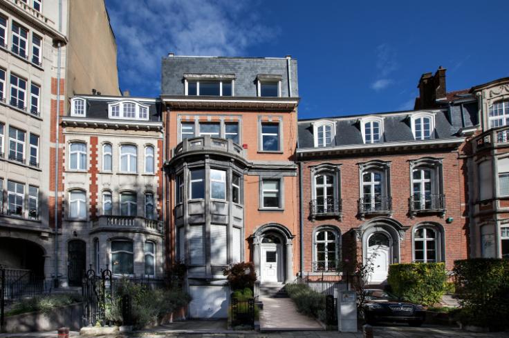 Immeuble de bureauxde 2 façadesà louer àWoluwe-St-Lambert au prixde 36.000 €- (5974521)