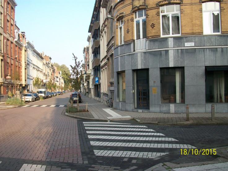 Immeuble commercial de2 façades àlouer à Anvers1 au prixde 9.000 €- (5994073)