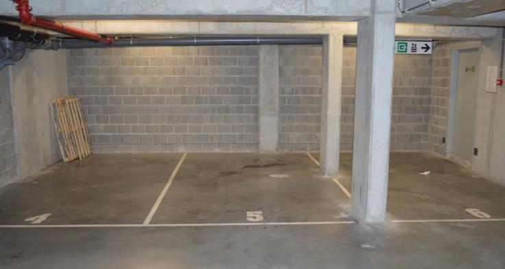 Emplacement intérieur àlouer à Etterbeekau prix de150 € -(6002544)