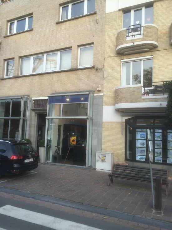 Immeuble commercial van1 gevel tehuur te DeHaan voor 8.400€ - (6032961)