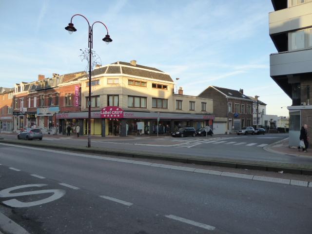 Immeuble commercial de2 façades àlouer à Fléronau prix de34.800 € -(6120330)