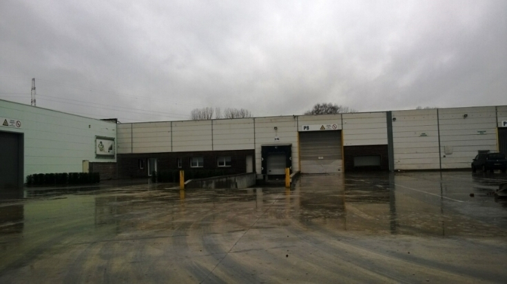 Immeuble industriel tehuur te St-Nicolasvoor 149.415 €- (6138198)