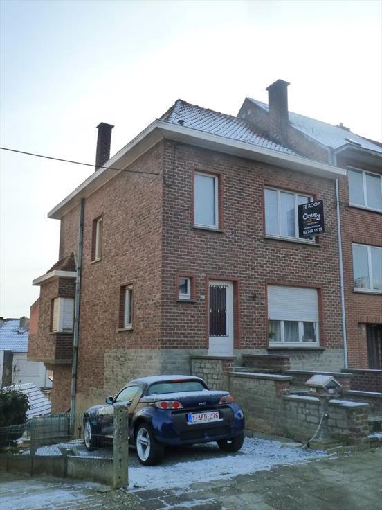Maison te koopte Sint-Pieters-Leeuw voor225.000 € -(6156997)