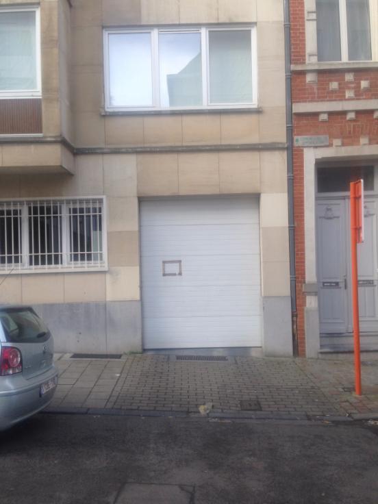 Emplacement extérieur tehuur te Ixellesvoor 120 €- (6161224)