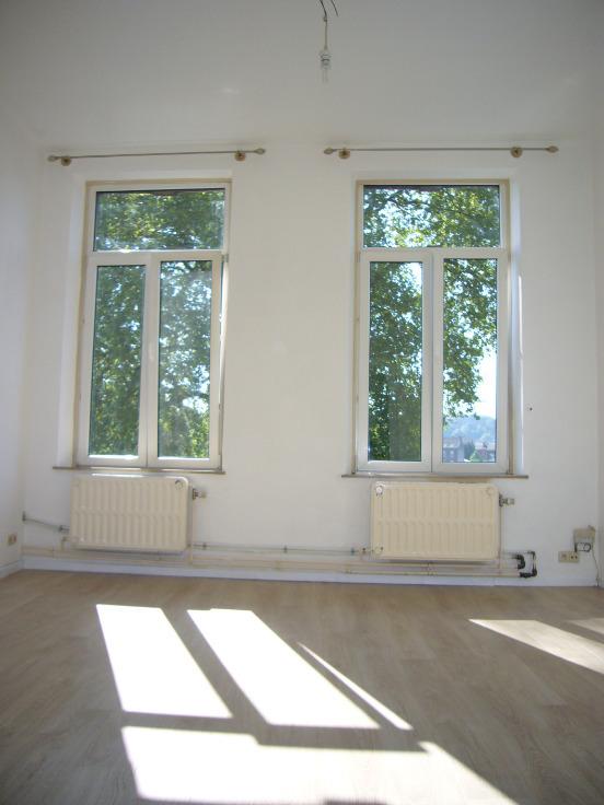 Appartement de 2façades à louerà Namur auprix de 500€ - (6199937)