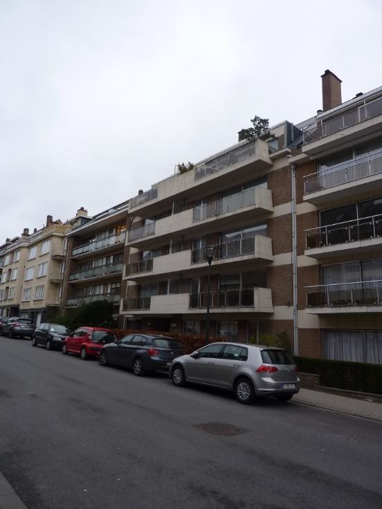 Appartement de 2façades à louerà Woluwe-St-Lambert auprix de 1.300€ - (6210459)