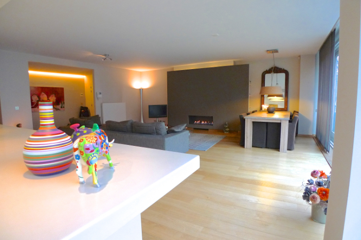 Appartement with 1frontage for rentin Anvers auprix de 1.400€ - (6211589)