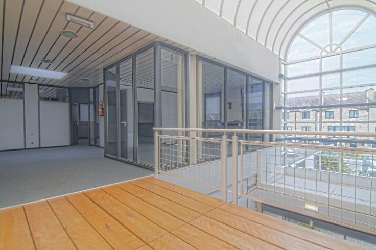 Bureaux de 3façades à louerà Groot-Bijgaarden auprix de 19.020€ - (6241240)