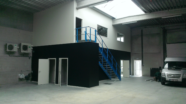 Immeuble industriel tehuur te Wetterenvoor 12.000 €- (6261090)