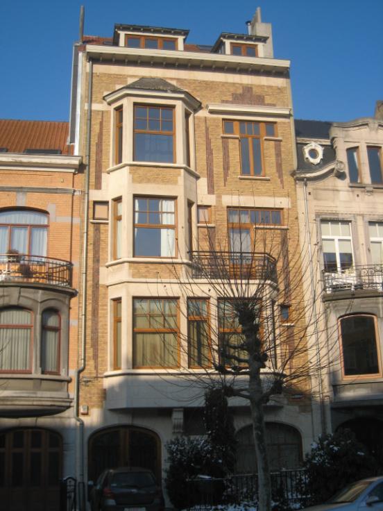 Immeuble mixte de1 façade àlouer à Schaerbeekau prix de7.020 € -(6273267)