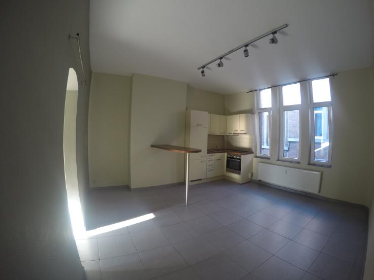 Appartement de 2façades à louerà Liège auprix de 450€ - (6336656)